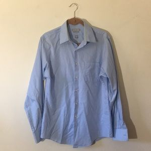 Van Heusen men's pocket button down, light blue